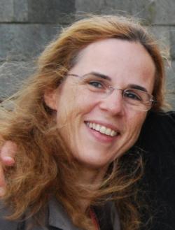 Dr. Anne Renneboog